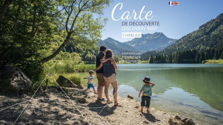 une famille au bord du lac de Vallon