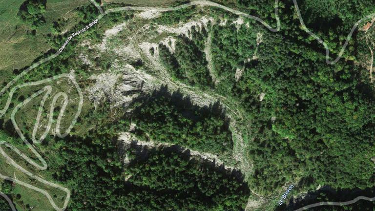 vue aérienne du glissement de terrain à reyvroz