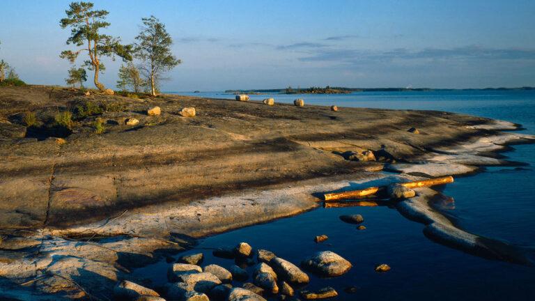 Couché de soleil sur le Lac Saimaa en Finlande